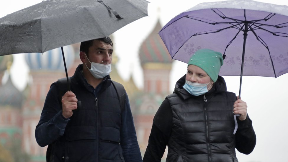 Коронавирус в России: новый антирекорд, Москва начинает эксперимент с QR-кодами
