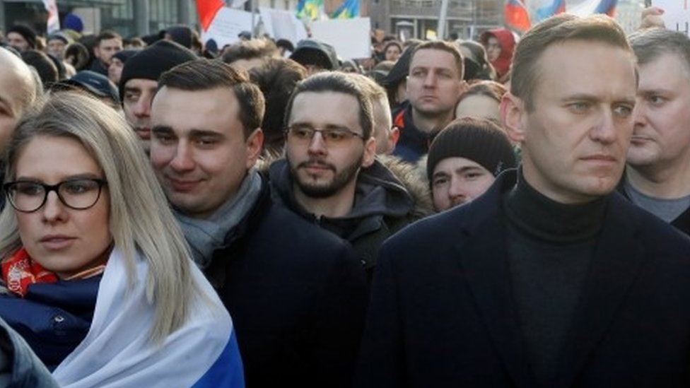 Lyubov Sobol and Alexei Navalny (right) at a rally in Moscow (29/02/20)