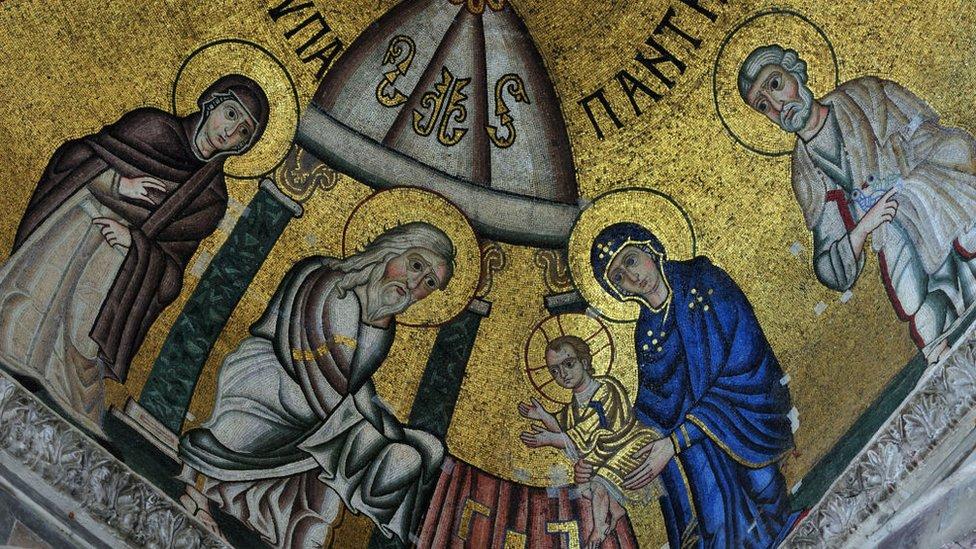 Circuncisión de Jesús, mosaico en el monasterio de Katholikon, en Grecia.