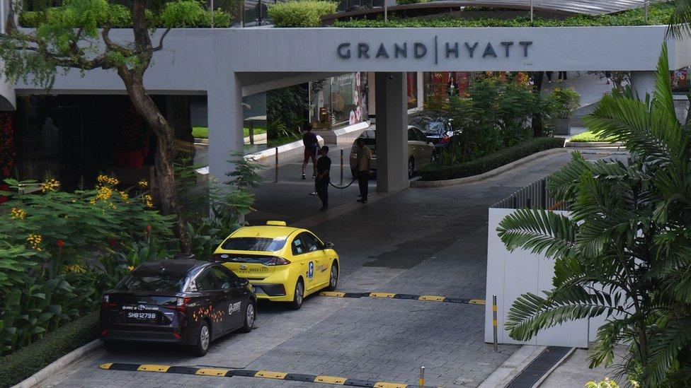 新加坡君悅酒店一場會議,成為超級傳播的開始。