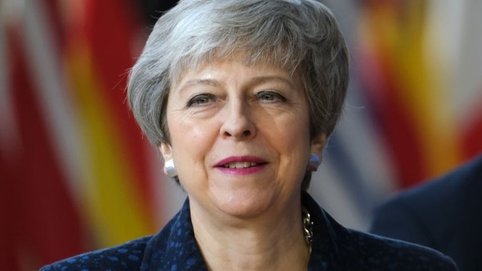Brexit: Theresa May 'hopes' UK will leave EU with a deal