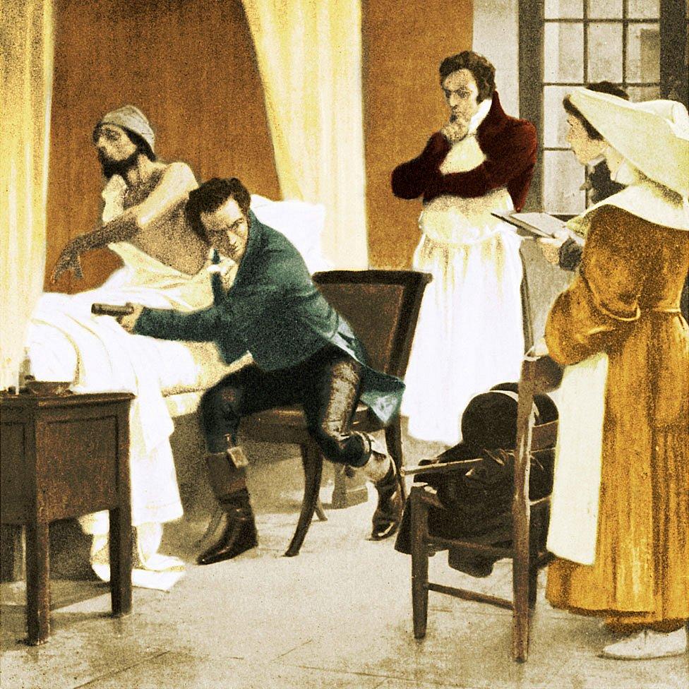 Laennec -aquí en una pintura de Theobald Chartran (1849-1907) que está en la Sorbona, París, Francia- examinando un paciente