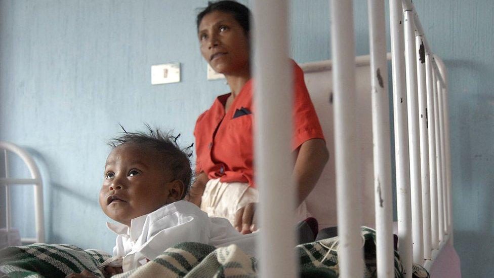Niño y madre de Guatemala