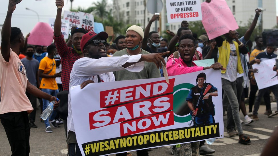 EndSARS protests: Nigeria president commits to ending police brutality - BBC News