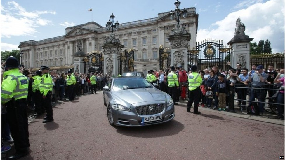 Mrs May's car leaves Buckingham Palace