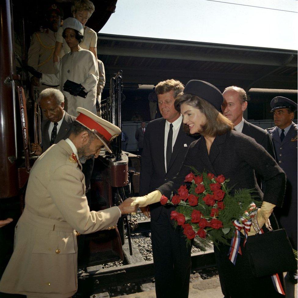Haile Selassie disambut oleh Presiden Kennedy