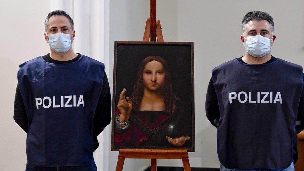 لوحة مخلص العالم في حوزة الشرطة الإيطالية