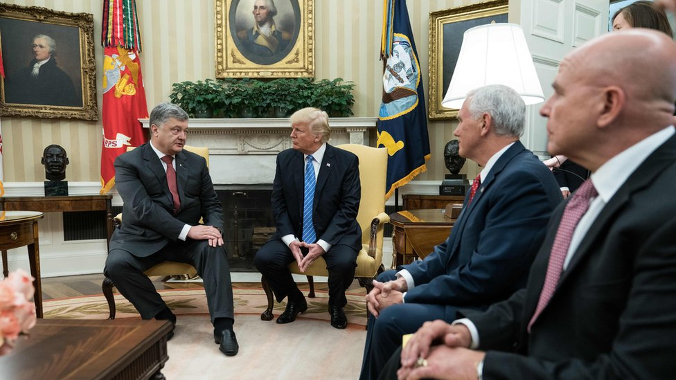 Адміністрація Порошенка заперечила, що зустріч з Трампом організували за гроші
