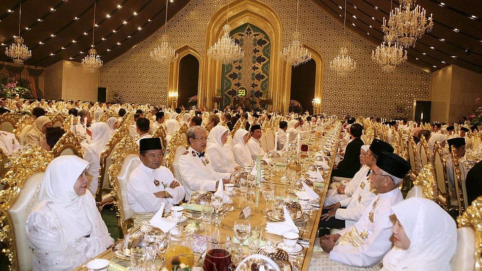 NO USAR, BBC Se estima que la construcción del lujoso palacio presidencial de Brunei costó unos US$1.400 millones.