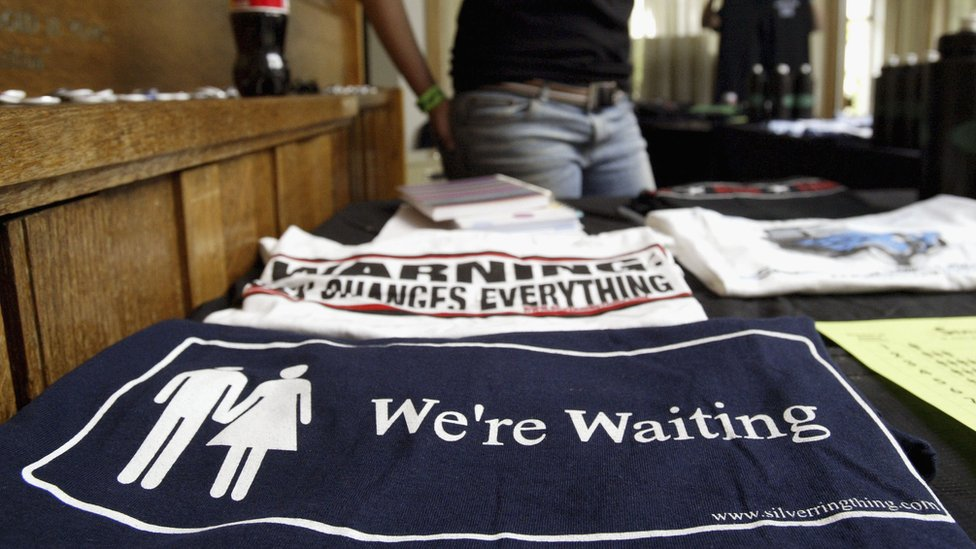 """""""Estamos esperando"""", materiales de un grupo que defiende la abstinencia sexual"""