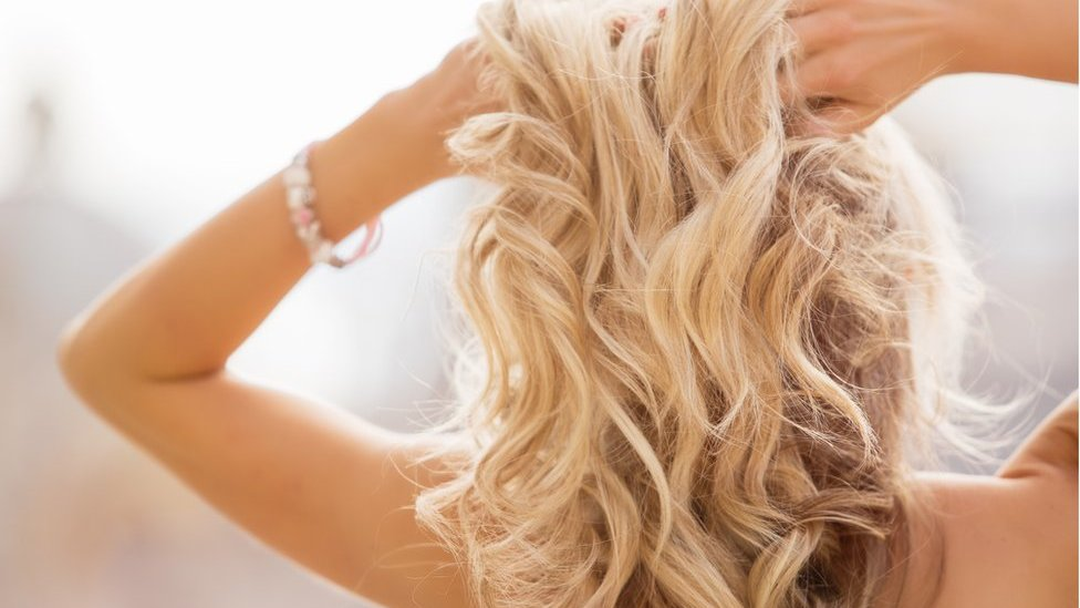 European women twice as likely to be blonde as men, study says