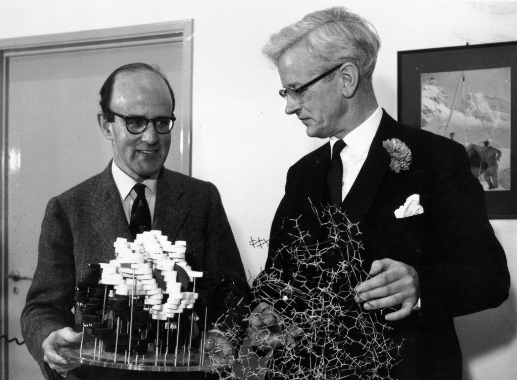 Perutz y Kendrew al ganar el Nobel de Química, en 1962