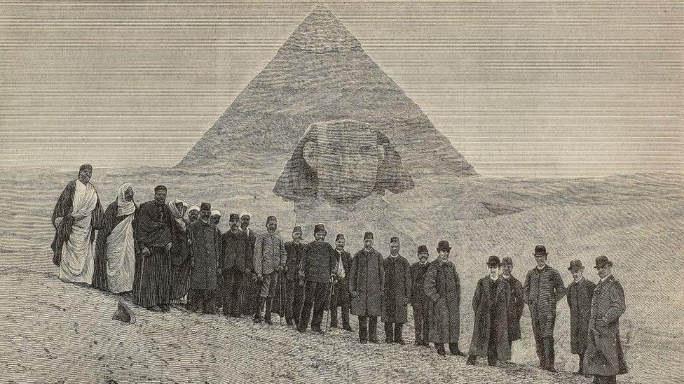 Foto antigua de las pirámides