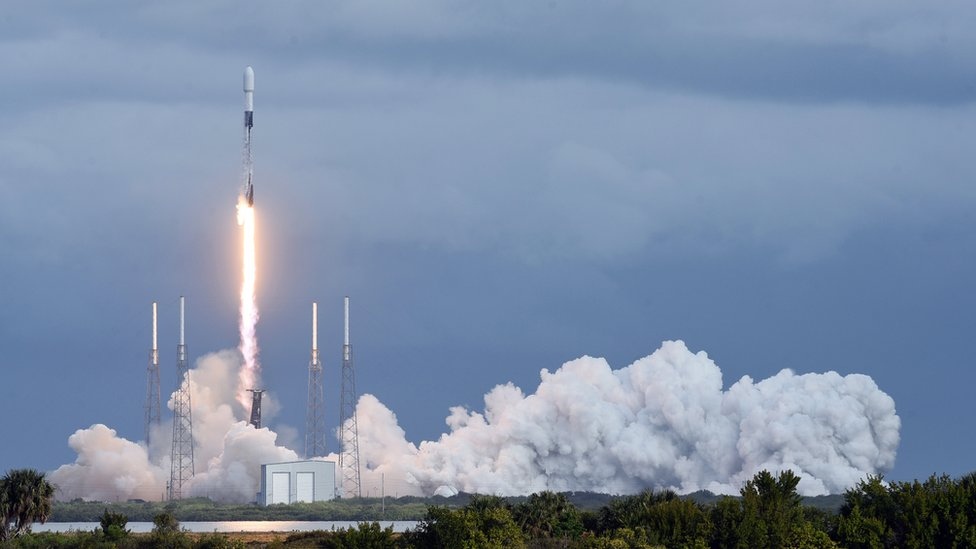 SpaceX獵鷹九號火箭從美國佛羅里達州卡納維拉爾角太空軍基地發射升空(24/1/2021)