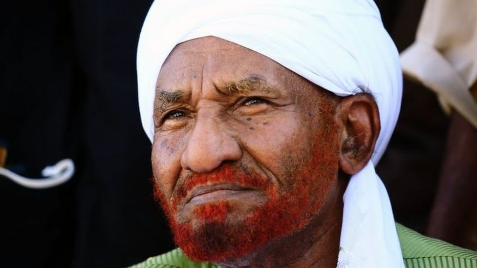 السياسي السوداني البارز الصادق المهدي