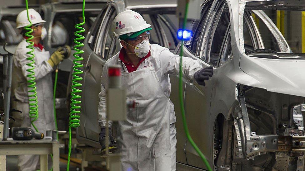 """En algunos sectores productivos se han generado """"derrames tecnológicos""""."""