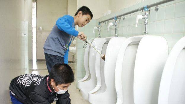 日本小孩從小就被教導保持環境整潔