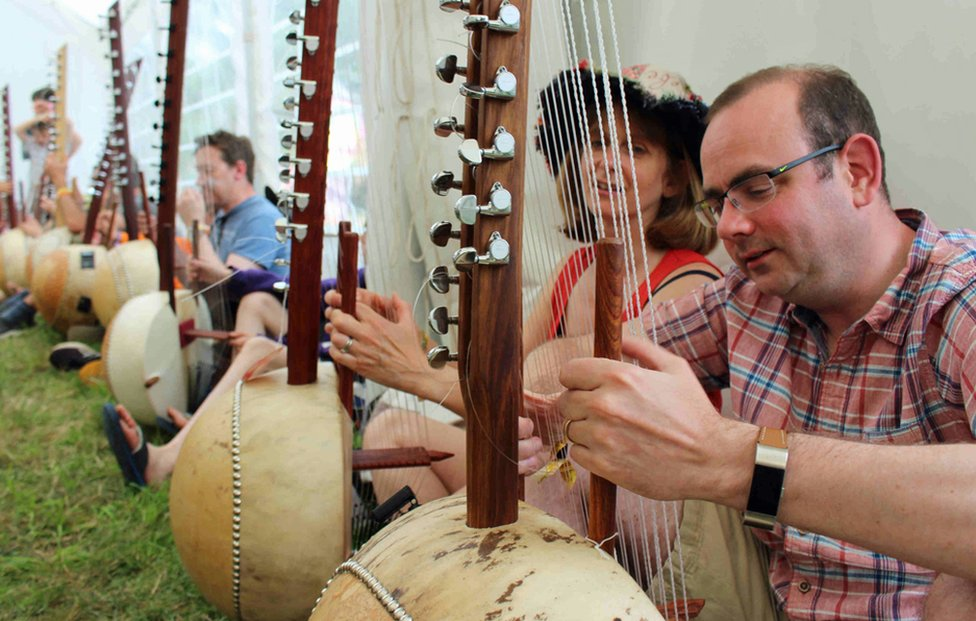 A kora workshop at Womad