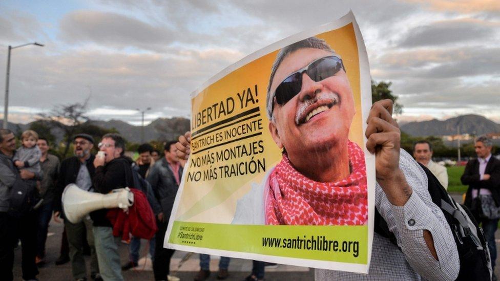 Afiche por la liberación de Santrich