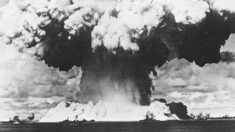 1946年8月7日美國在比基尼島進行水下原子彈試驗