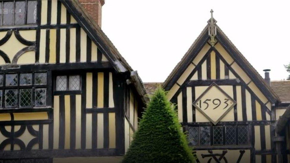 Poundsbridge Manor
