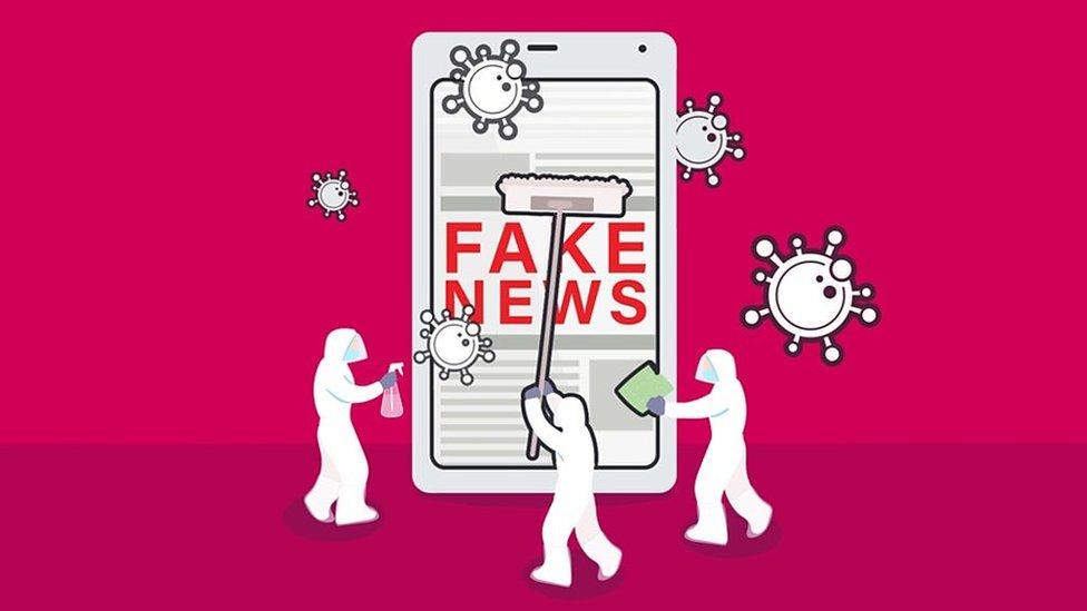 Ilustración de trabajadores de limpieza desinfectando un celular con noticias falsas.