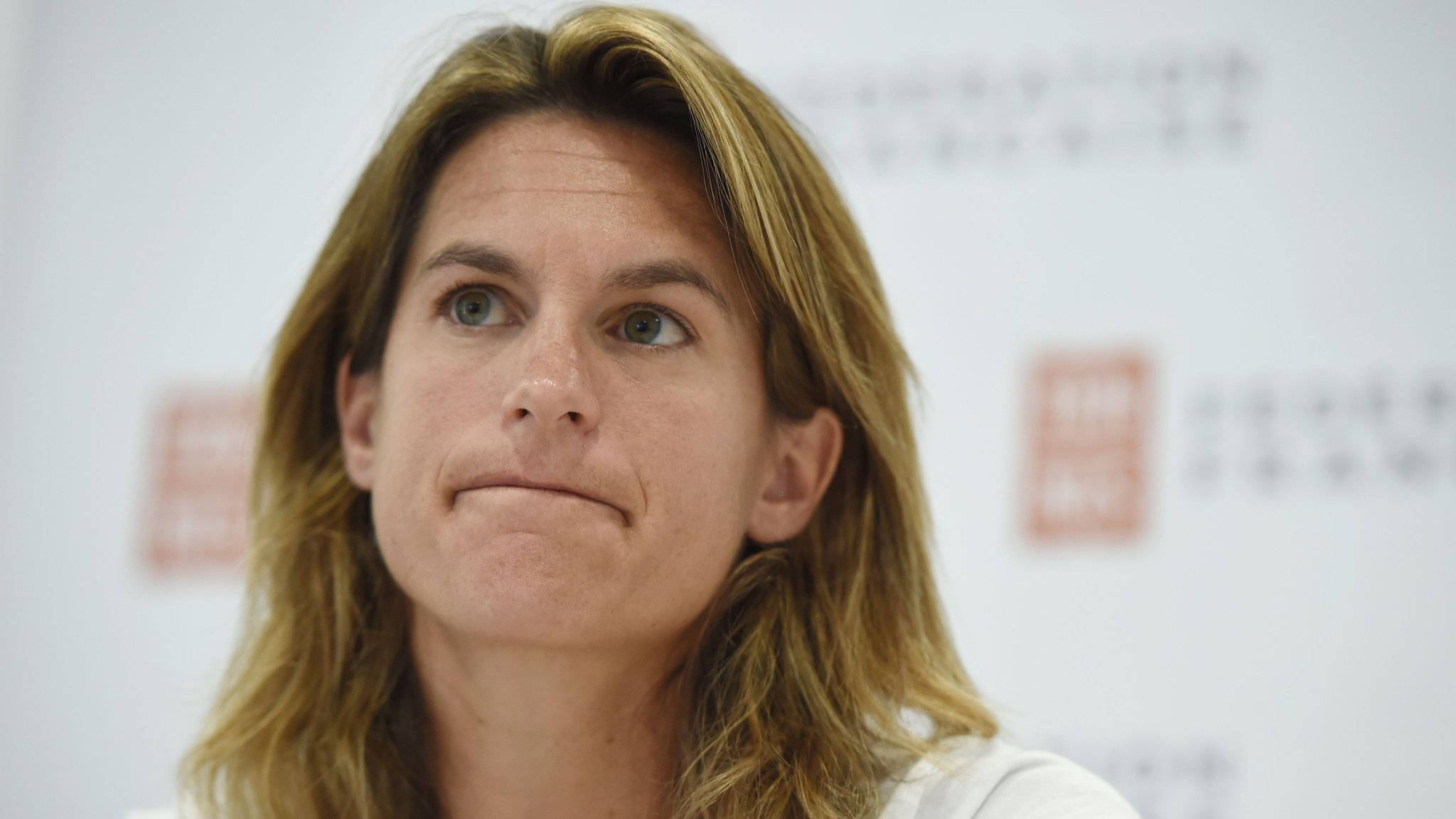 Amelie Mauresmo withdraws as France Davis Cup captain to coach Lucas Pouille