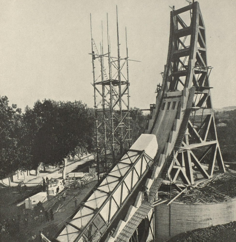 Construction of the Mussolini Obelisk in Rome in about 1932