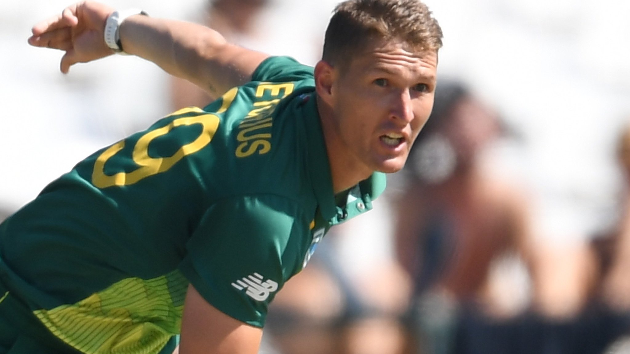 Dwaine Pretorius: Northants sign South Africa all-rounder for T20 Blast