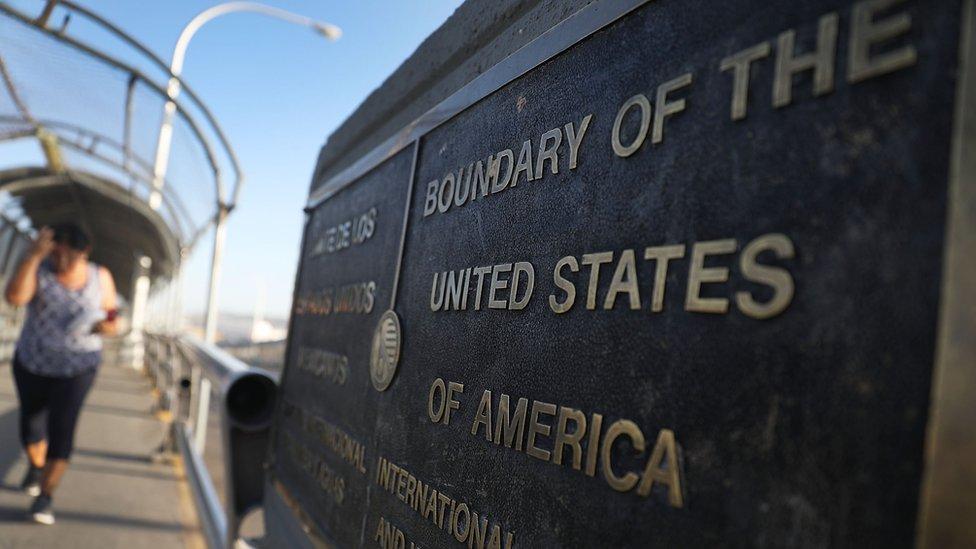 Paso fronterizo entre México y Estados Unidos en El Paso, Texas.