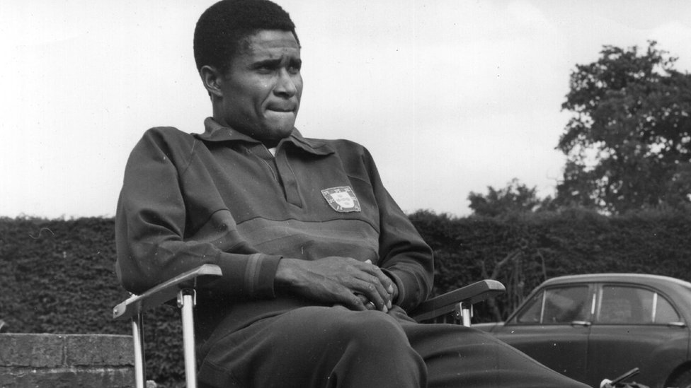 Eusebio in training for an upcoming match against England at Wembley in 1961