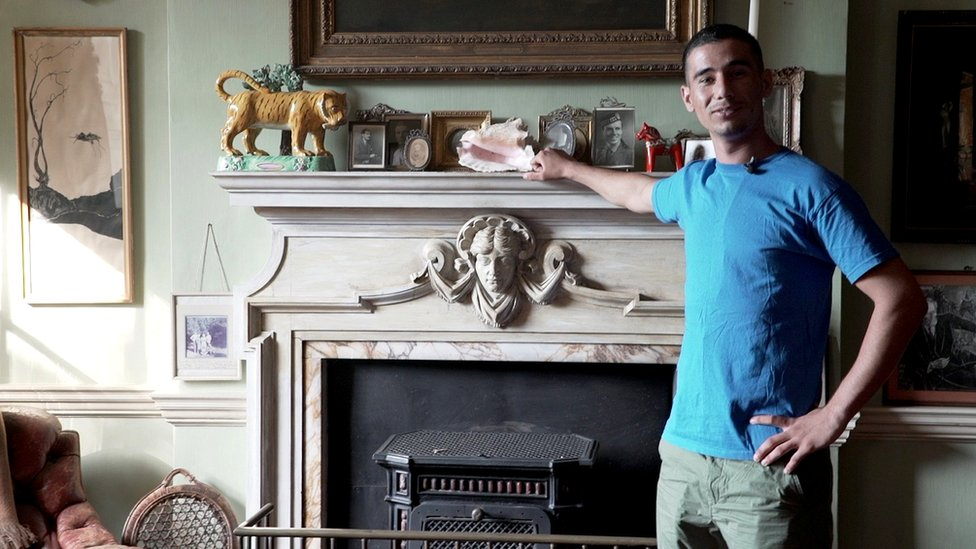 Syrian refugee who lives in a historic manor