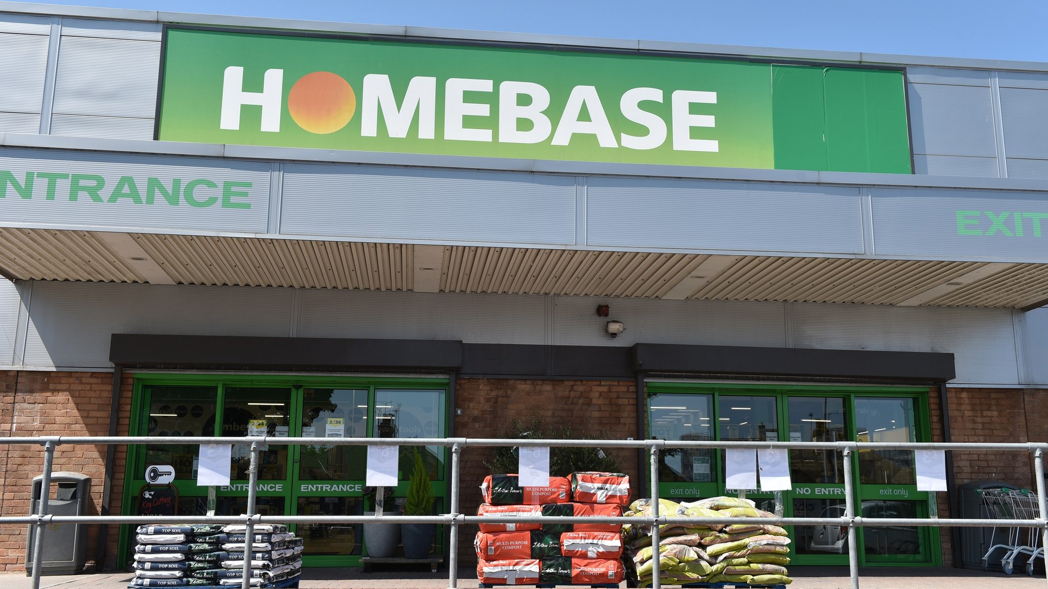Homebase set to close 42 stores
