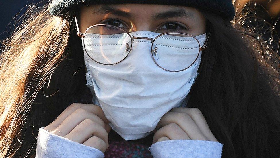 Korona virus: Kakvi su simptomi i šta radi telu