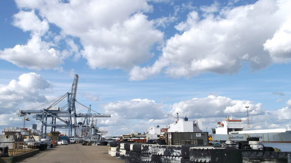 Port of Tilbury roof death: Man heard 'snap' before death fall