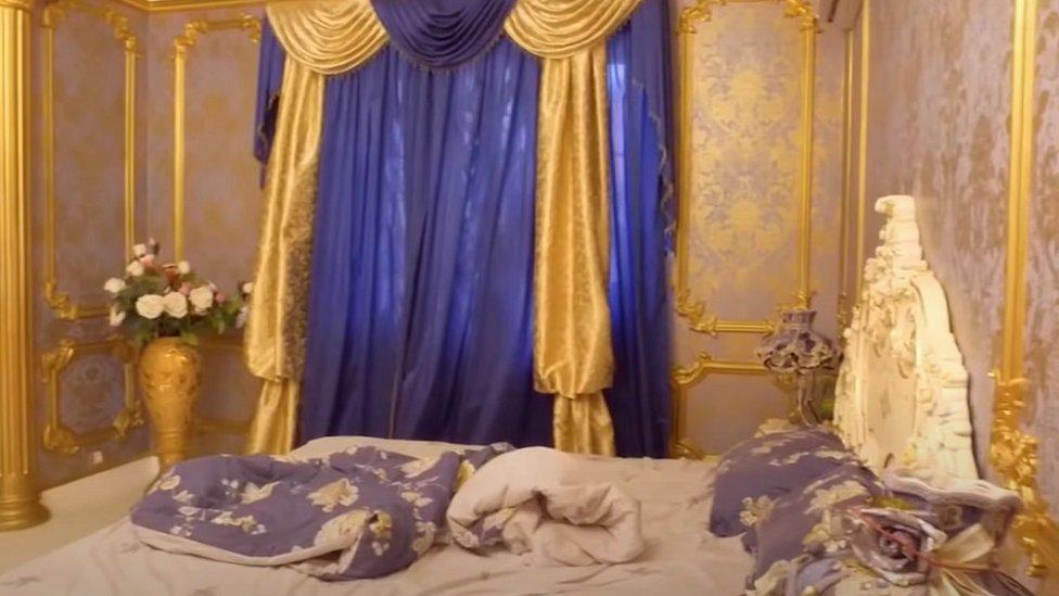 Spavaća soba u luksuznoj vili