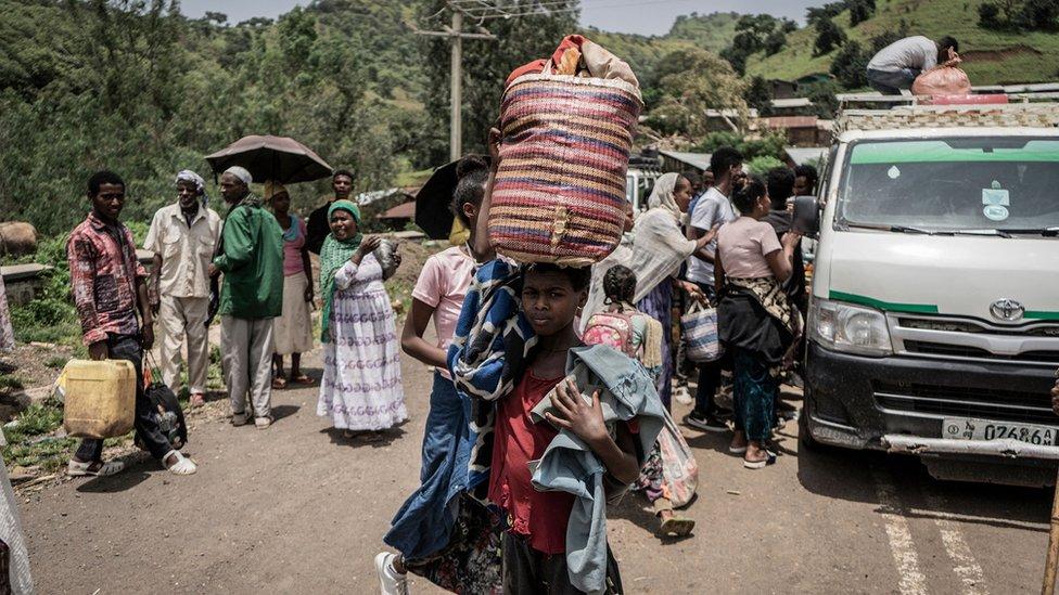 مدنيون يفرون من القتال في زريما بمنطقة أمهرة في إثيوبيا