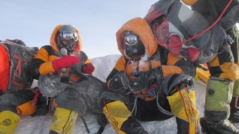 Dinesh and Tarakeshwari Rathod on the Everest climb