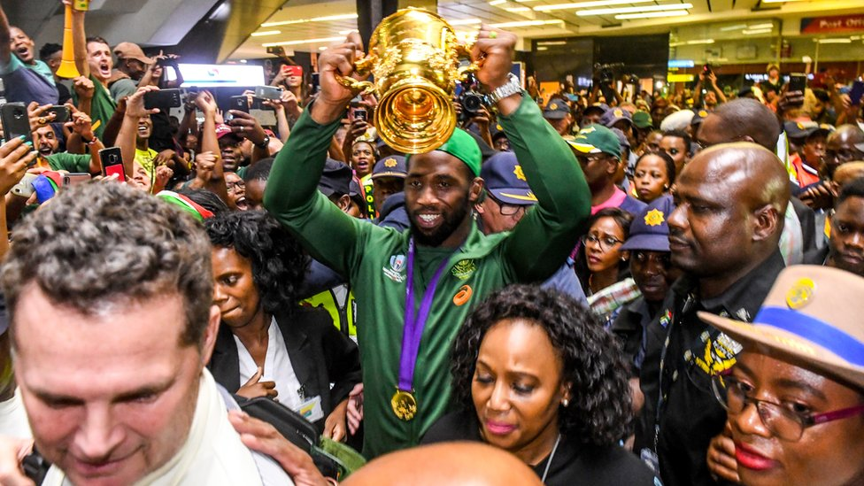 Siya Kolisi at Johannesburg airport