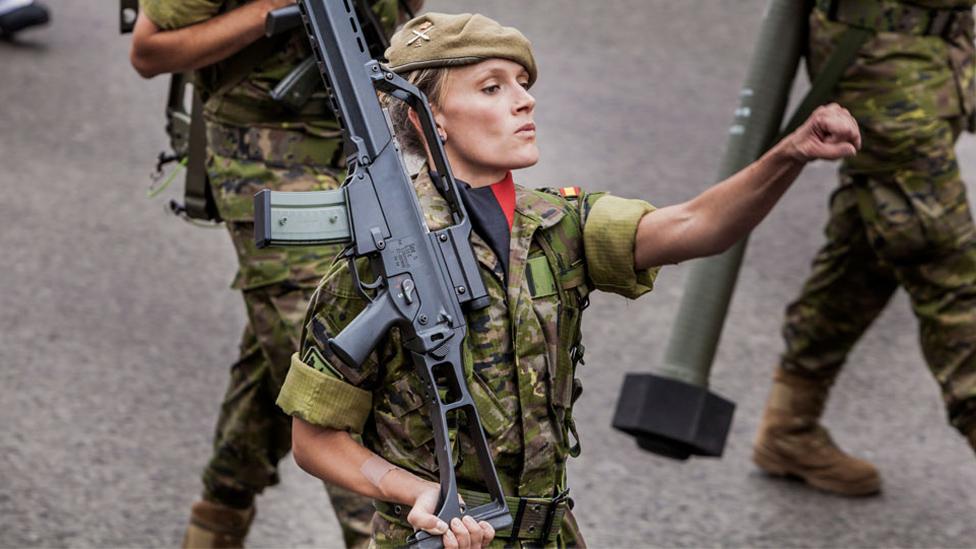 مجندات اسبانيات في مدريد. 12. أكتوبر/تشرين الأول 2018