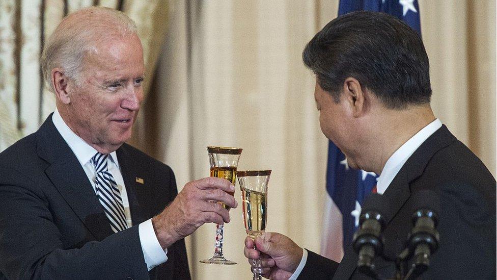 Joe Biden y Xi Jinping durante un encuentro cuando Biden era vicepresidente