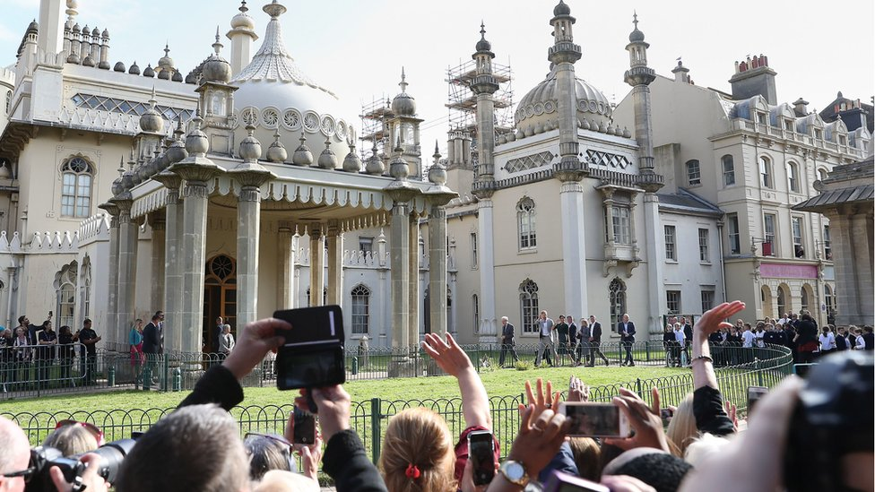 Crowds at the Royal Pavilion