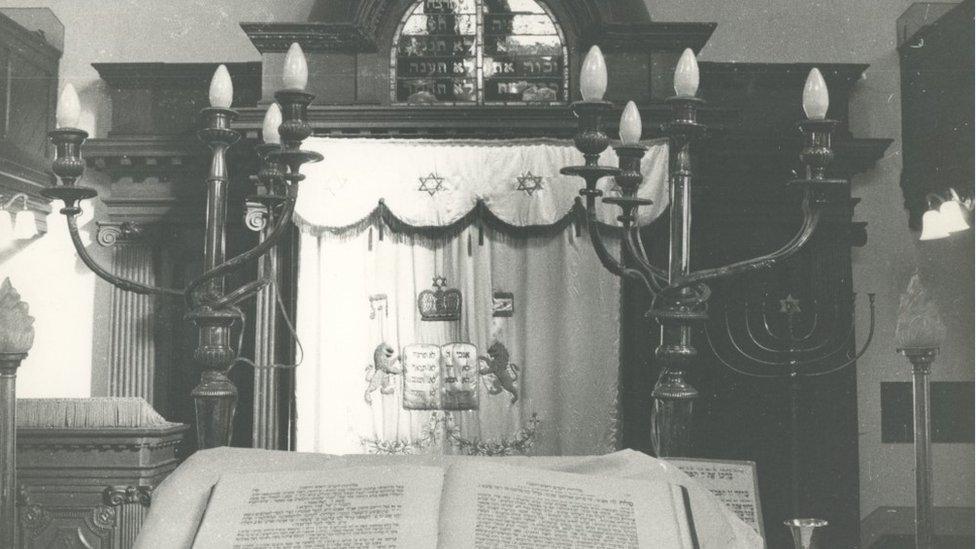 Synagogue, Merthyr Tydfil, 1877-1982 – interior