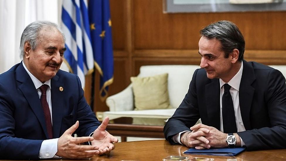 Hafter, Ocak 2020'de Atina'ya giderek Miçotakis'le bir araya geldi