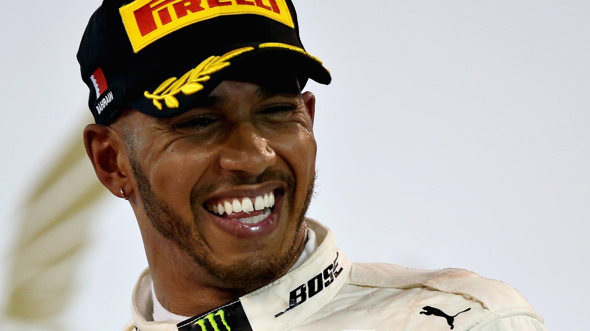 Mercedes 'love' title fight with Ferrari & Red Bull