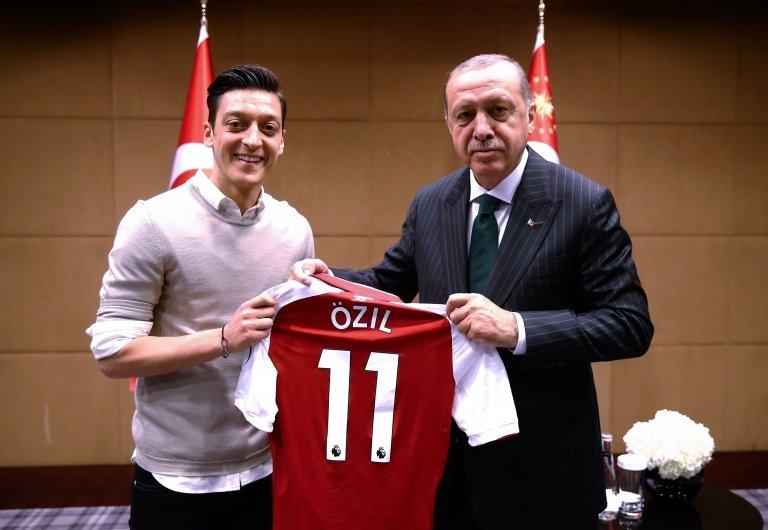 Mesut Özil ve Cumhurbaşkanı Recep Tayyip Erdoğan