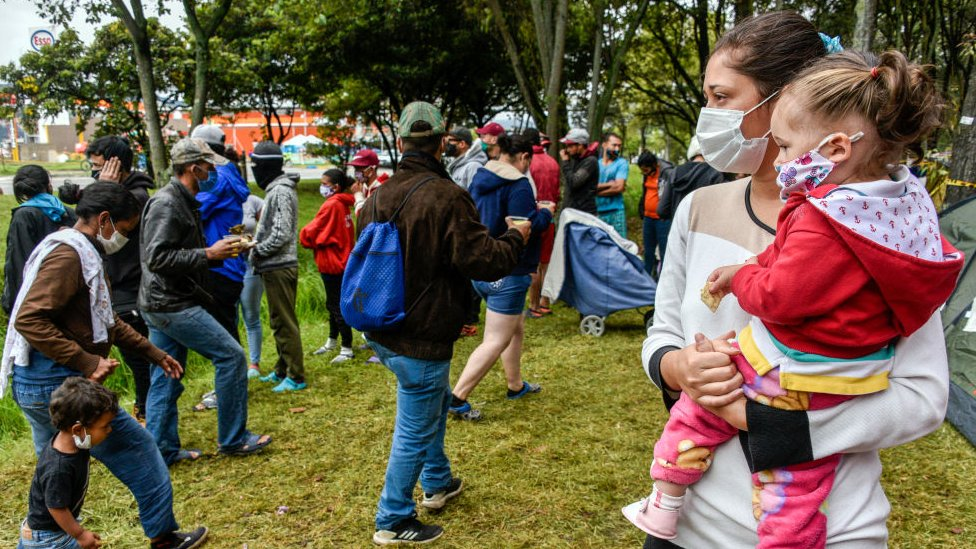 Inmigrantes venezolanos en Bogotá desempleados