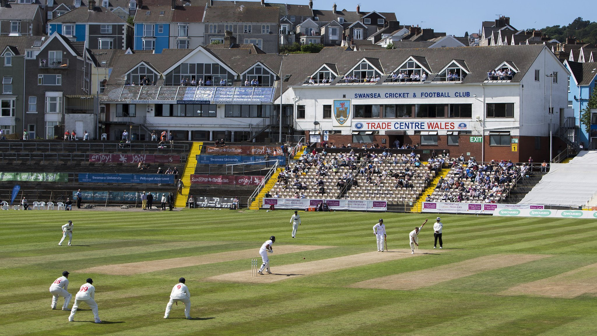 County Championship: Derbyshire grind out advantage over Glamorgan at St Helens