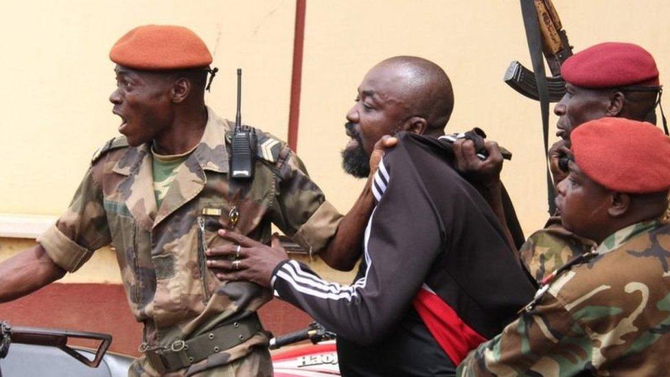 لحظة اعتقال يكاتوم عام 2018 على أيدي قوات الجيش