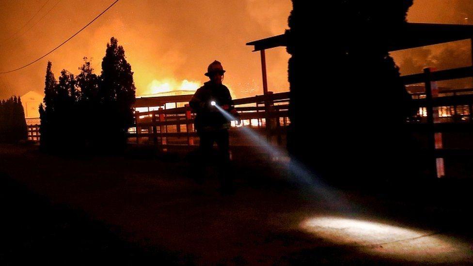 رجال الإطفاء لم يصمدوا في وجه الحرائق، بحسب قائد عمليات الإطفاء